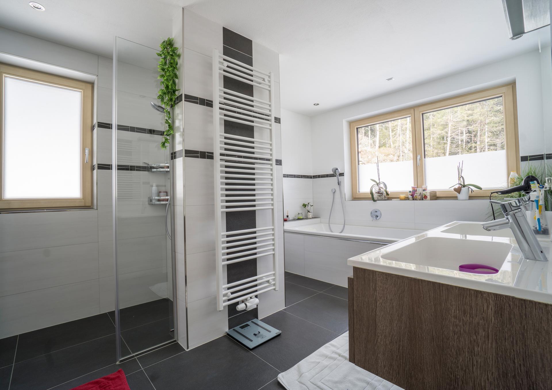 Installateur Bad & Sanitäres  18D Bad-Planung  HSE Huber